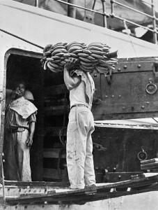 Caricando banane a Veracruz, Messico, 1928 Tina Modotti