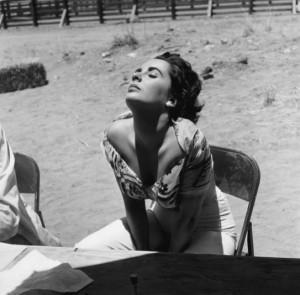 Elizabeth Taylor sul set del Gigante nel 1955