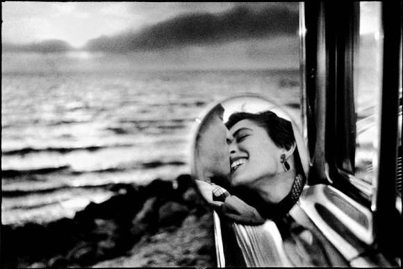 Santa-Monica-1956-California ©-Elliott-Erwitt
