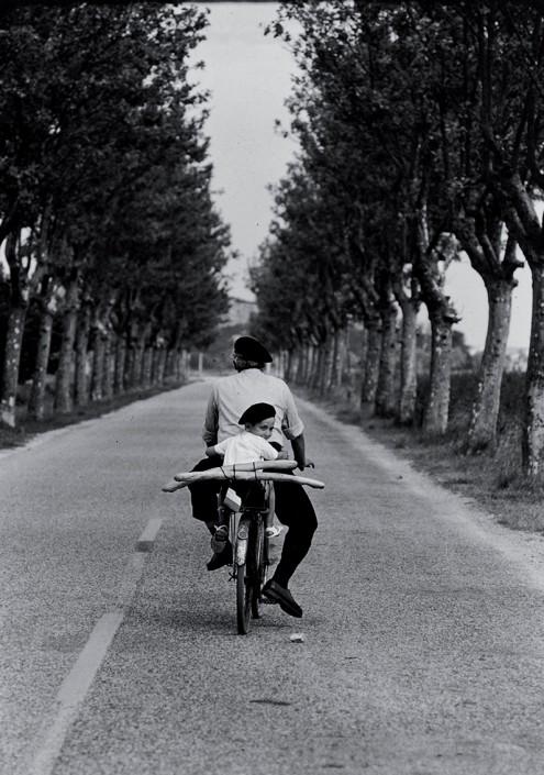 Provenza-Francia-–-1955-©-Elliott-Erwitt