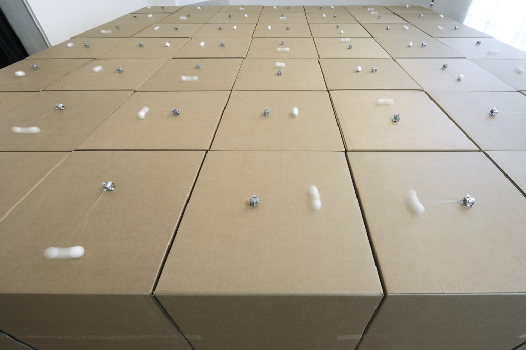 6-49-prepared-dc-motors-cotton-balls-cardboard-boxes-70x70x70cm.
