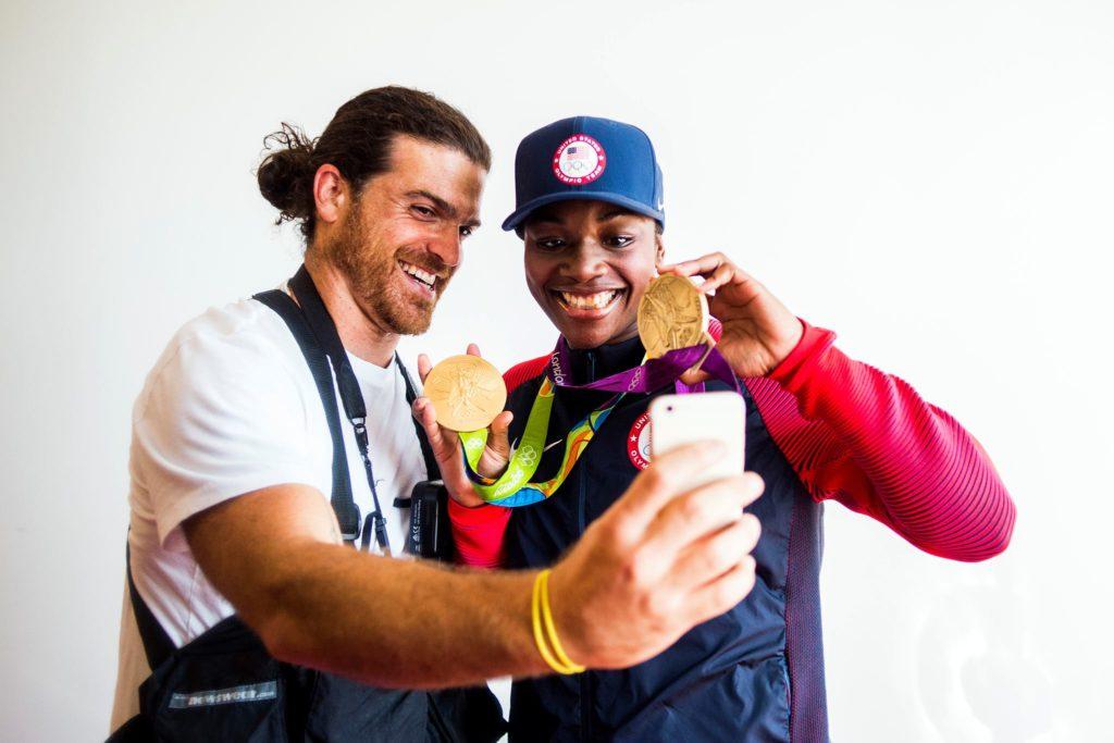 Zackary Canepari a Flint con Claressa Shields dopo la vittoria della seconda medaglia d'oro alle Olimpiadi di Rio